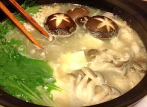 mizutaki3...tofu, mushrooms, kuzukiri and mizuna.